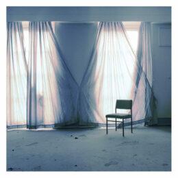 Le rideau et la chaise, 2014, Jeanne Fredac © Adagp, Paris, 2021