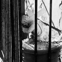 Le christ aux bonbons, Jeanne Fredac © Adagp, Paris, 2021